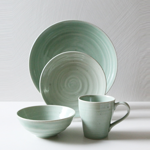 Casual line Dinnerware, Pinetree 4 Piece Place Setting