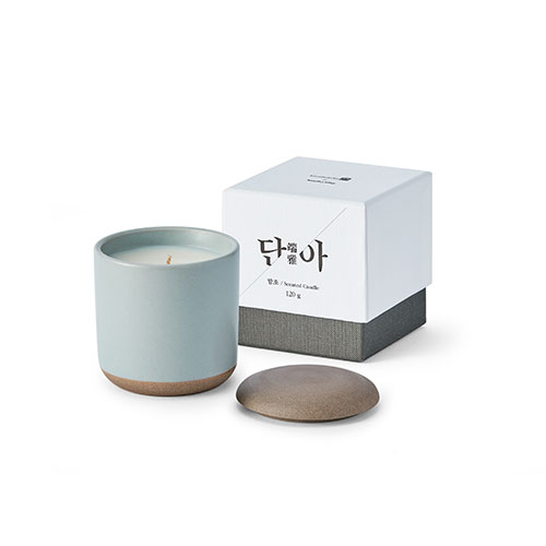 The scent series 'Dan-a' Candle